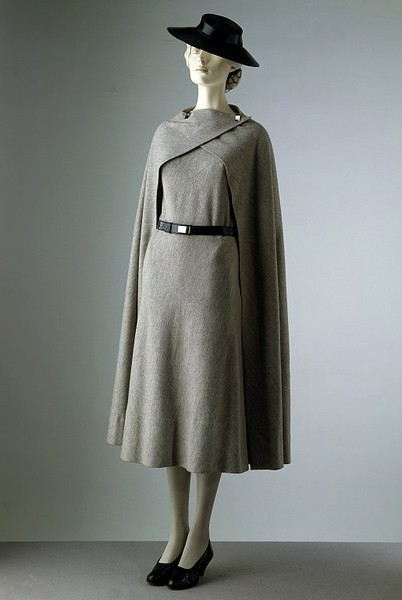 A simple yet stylish dress and cape ensemble by Madeleine Vionnet, 1933.