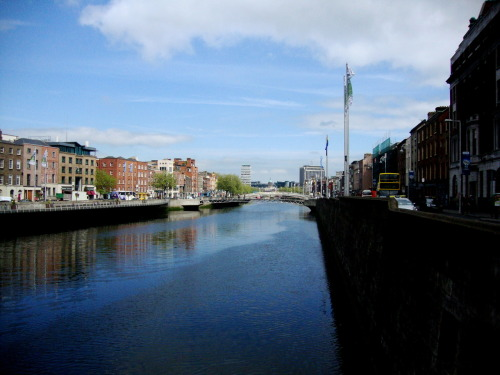 eyeforireland:  Dublin. Does anyone of you lovely followers live in Ireland? if so/not…Where do you live?