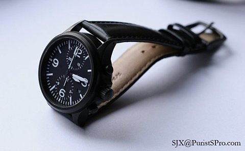 I have a similar watch to this but mine doesn't have a leather strap, I might get one for it now I've seen this