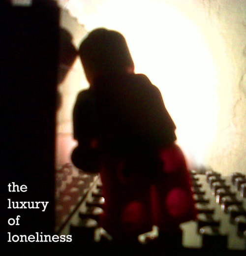 the luxury of loneliness (her space holiday, the young machine album - 2003)  starting the day with lovely tunes. and. the luxury of loneliness