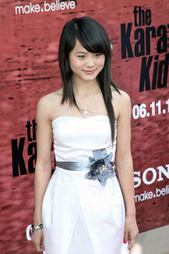 Wenwen Han is one  of the favorite female cast in the movie karate kid. Although she is only 16 years old but he's very smart in the  dialogue memorized. She's also very beautiful. Suppose she is my girlfriend. But  it is impossible. :) LOL