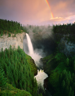 geekgetsfit:  keepsmiling-loveplenty:  size10plz:  travelthisworld:  Helmcken Falls, Wells Grey Provincial Park, British Columbia, Canada by Adam Gibbs