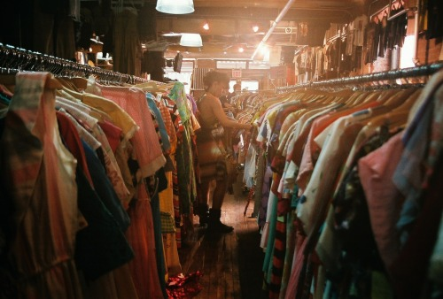 THIS is what dreams are made of. Brooklyn wins for the best vintage shopping in America.