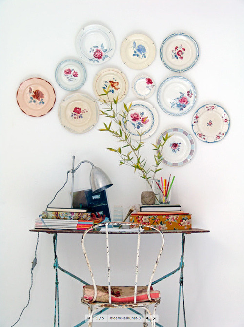 myfarmhouse:   plates as wall decoration from style-files.com by danielle