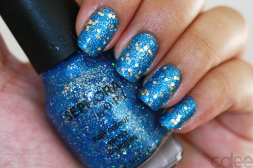 caleemama:  I love glitter :D Sephora by Opi - Midnight Mambo Topped with: Sephora by Opi -  Only Gold for Me