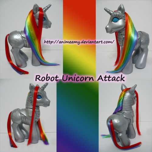 my-little-modified-pony:  Robot Unicorn Attack by AnimeAmy  oh my god