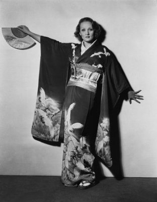 Shanghai Express - Marlene Dietrich as Shanghai Lily wearing a kimono with cranes in a promotional picture.