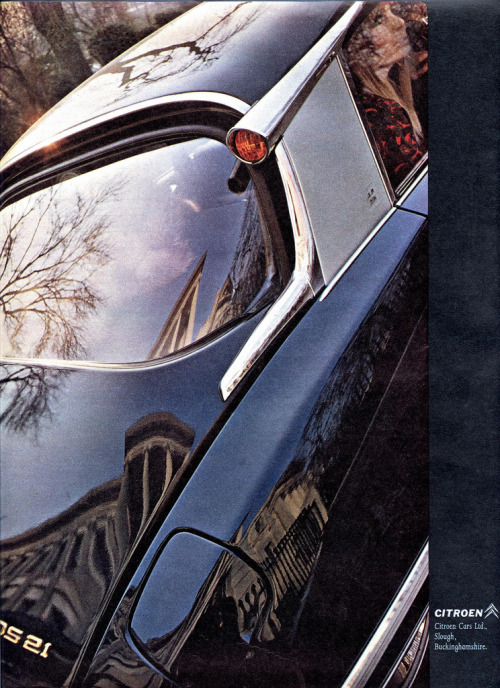 Citroen DS21 advertisement.