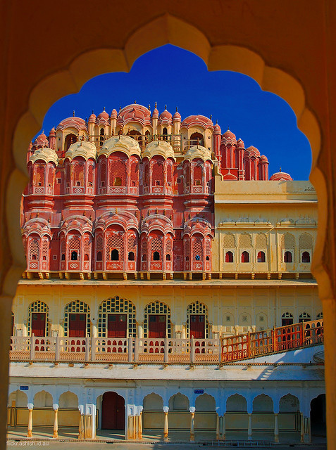 happy-oasis:  travelthisworld:  Hawa  Mahal, Jaipur, India by theurbannexus