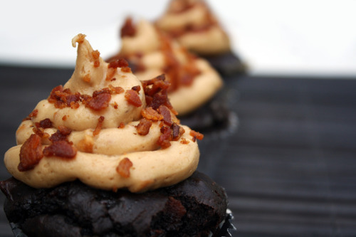 Chocolate chip Bacon Cupcakes with Peanut Butter Buttercream garnished  with crumbled Bacon. Gluten-free.  by blackkittycat132 via cupcakesoftheday