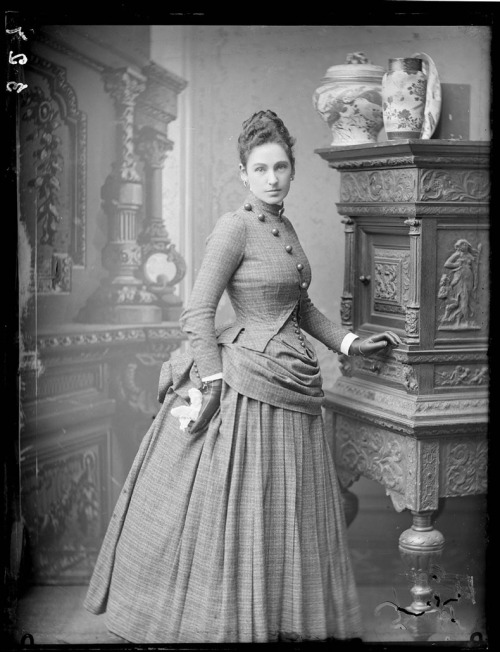 glimmer-in-the-darkness:  oldrags:  highvictoriana:  historiful:  Unknown woman, c. 1880s.