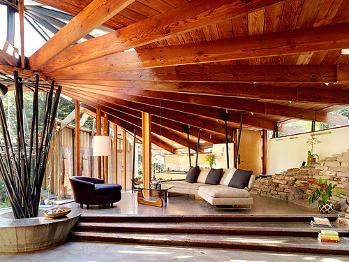 kittivanilli:  Kim and Andrew Todd's home in Mill Valley, Calif., was built in 1958 by the architect Daniel J. Liebermann, an architect who had apprenticed with Frank Lloyd Wright. Like most of Mr. Liebermann's homes, it is constructed on a radial frame, with curving exterior walls. (Photo: Joe Fletcher) [article] [slideshow]