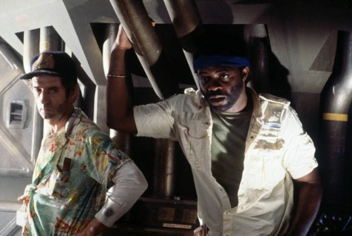 Brett (Harry Dean Stanton) and Parker (Yaphet Kotto), Alien via toutlecine.com
