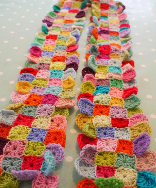 meetmeatmikes:  do you mind if i knit: Quick pattern for Little Squares Scarf.