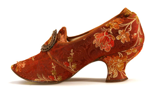 "Brocade ""Louis"" Heel Pump 