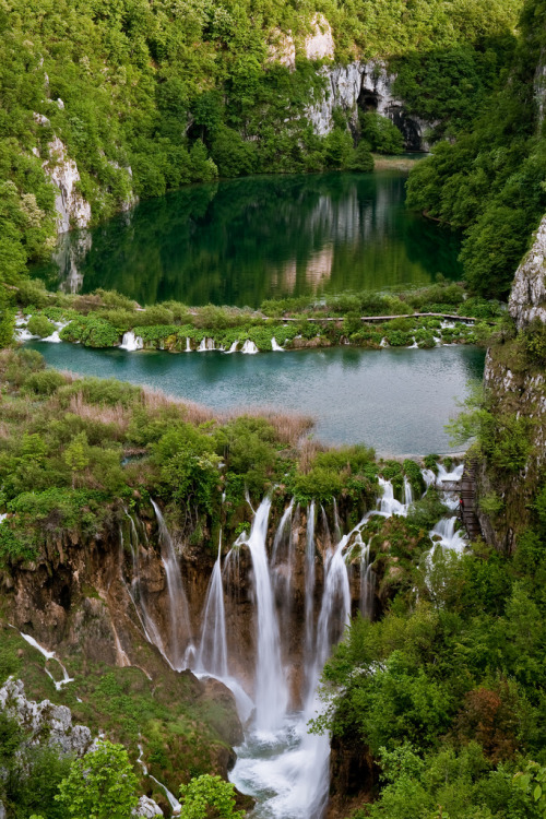 landscapelifescape:  Piltvice Lakes, Croatia Water Land (by andywon)