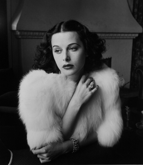 Hedy Lamarr in 1938 Photographed by Alfred Eisenstaedt Image Source: Verdoux