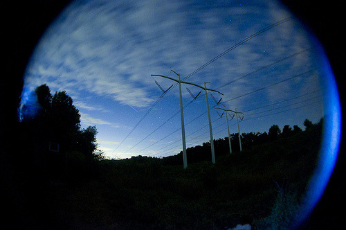 (via:robots1humans0)                Powerlines (by j0shporter)