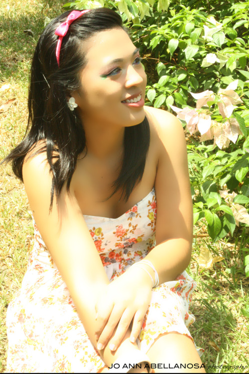 Model: Lourdes Batac.  Sorry for the shadows. I'm still a newbie in Photoshop. :|