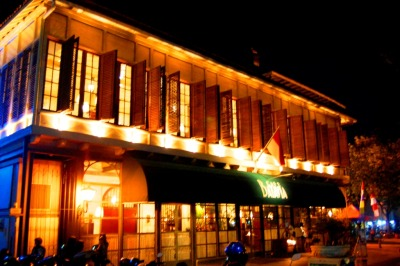 Cafe Batavia, Fatahillah Square in the night (Hasil night Hunting 25 Juni, taken by me)