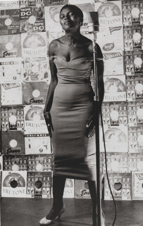 dreamhampton1:  yourhue:  blackpoemusic:  Miriam Makeba (by Jürgen Schadeberg)  (via stellavista)
