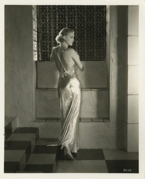 Another of birthday lady Gloria Stuart, c. 1930s. via liveauctioneers.com