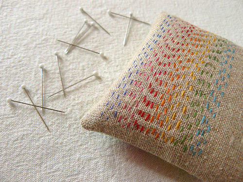 tinywhitedaisies:  mybricole:  batixa:  the peaceful pincushion (by CozyMemories)
