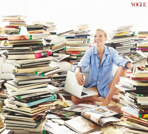 womenreading:(via lovemie026)  Gwyneth Paltrow
