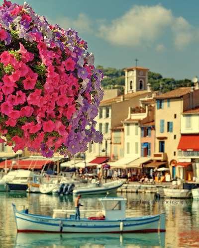 Cassis in southern France Can I go live in one of those pretty houses overlooking the harbor, please? I would probably just still be sitting at my laptop on tumblr even at a cafe in Southern France, but at least I'd have a kickass view.