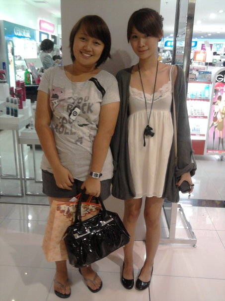 "While shopping and roaming around Megamall with my college friend   from abroad, I said to myself ""I need to go to Watsons to buy cotton   pads."" With my surprise, I spotted Tricia Gosingtian by accident! wah~! (*o*) ""What's you're name?"" ""Oh, post it <the picture> on   Tumblr~*"" :) I was stunned. (*__*); She was really beautiful & so PRETTY~, like a doll.. a model (oh yeah. I almost forgot, she IS a model). Not to mention, very   accommodating & nice! ^^; Tho, it was  like  an 'awkward' situation for us, just approaching her while she's  walking around and ask for her picture with me~* LOL Anyways, Thank you so much for the time & picture with you~ Am  such a  huge fan of yours & with Crissey's  *fan girl mode* *what happened today was like a birthday gift  for me, meeting again one of my best friends & her son, and finally  Tricia~ (I  guess) LOL*   :3 Thanks so much to Marianne ""Ate Maan"" Villarico for the picture! ~*"