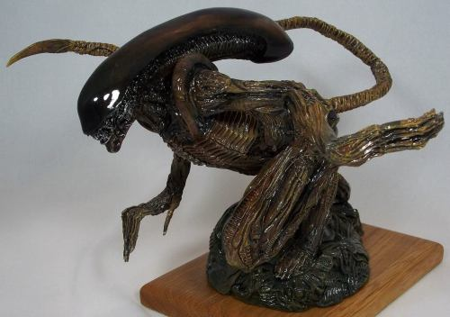 Alien3 statuette by Real x