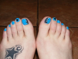 This is Sally Hansen's XtremeWear Blue Me Away along with Kiss Nail Art Black and White.  I did these on my own, my finger nails matched.  I started getting into doing my own nails since I got into an accident last Nov. and haven't been able to go back to work therefore I have no money to get my nails done anymore. Hope you guys like it!