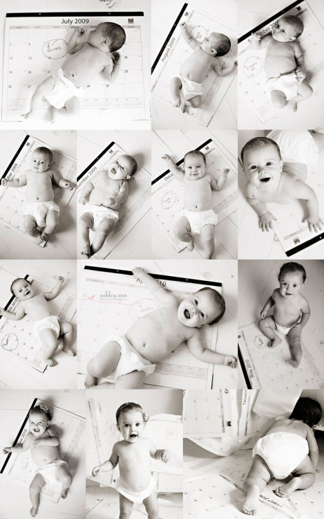what a great idea for monthly baby pictures