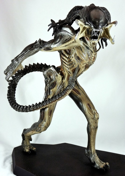 PREDALIEN Maquette by Sideshow Collectibles x