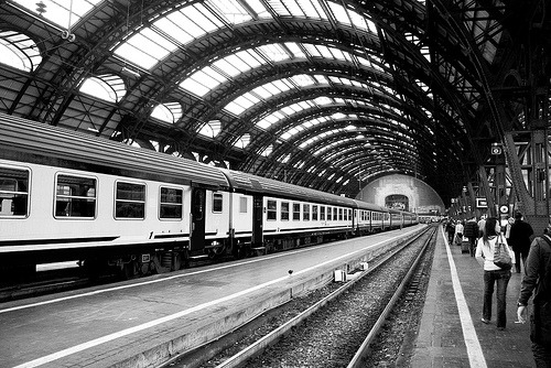 architectureblog:  theworldwelivein:  Centrale FS train station at Milan (by sprintist86)   i like the camera angle