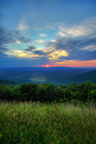 Sunset from Skyline Drive - Shenandoah National Park (by dgmiami) Shenandoah National Park, Virginia.