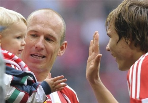 it's too cute… Holger and Robben's son..