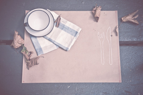 kraft paper placemats by i am dorkas.