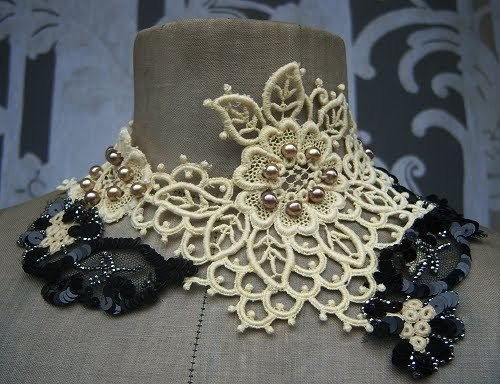 lace collier using 1900s materials by Maide