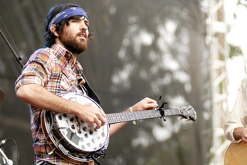 *sigh*  thesoundandthefurry:  Scott Avett of the Avett Brothers.  2009's I and Love and You is available everywhere.   (by hazyskyline6)