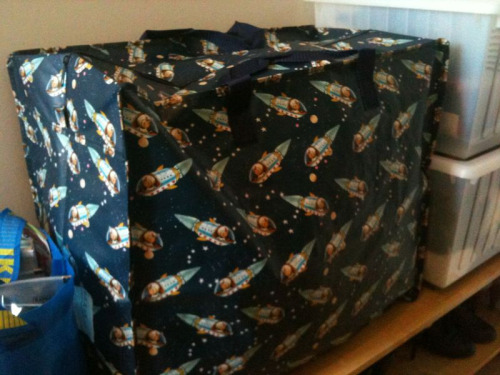 My new wool storage bag. Full to the brim!!  It has little rocket men on it. So cute!  Thanks to @idreamofcrafts for the shopping tip :
