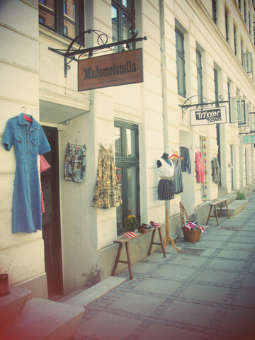 Mademoistella is now located at Jægersborggade 52…come see me !