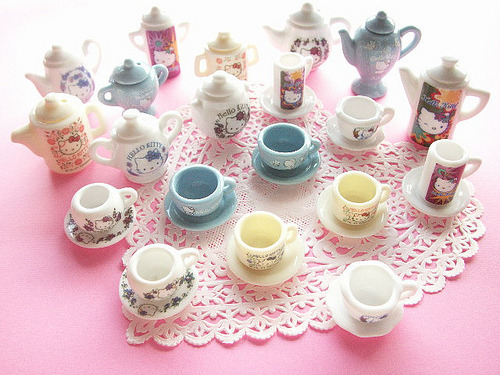 Hello Kitty Miniature Ceramic Tea Set Collection