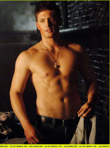 fuckyeahshirtlessmen:  jensen ackles. because he is just too damn sexy.