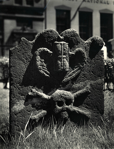 Berenice Abbott Tomb in Trinity Church Yard, New York Undated