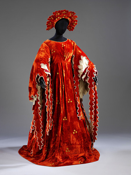 Costume for 'Prince's Mother' in Swan Lake, designed by Alexandre Golovine, Moscow 1901.
