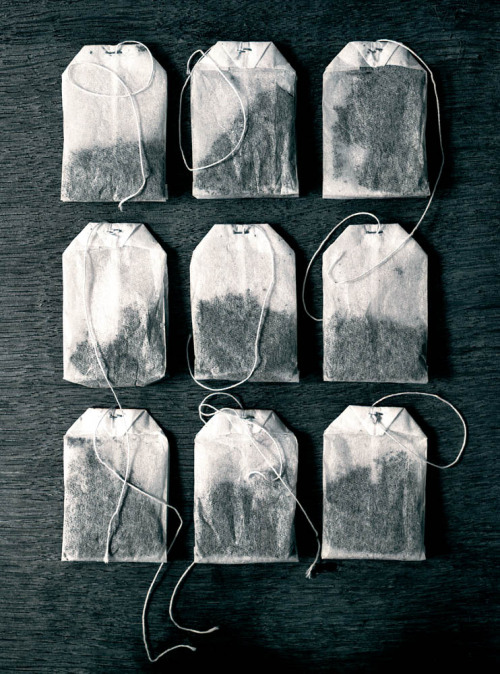 somehowlou:  tea bags (by Tom Mannion)