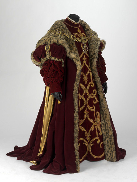 Michael Stennet designed this costume for Alfonso d'Este in Donizetti's opera Lucrezia Borgia, for the Royal Opera in 1980.
