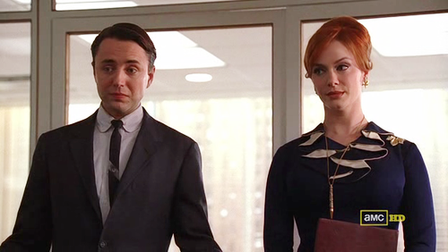 Mad Men, 4x01 Public Relations