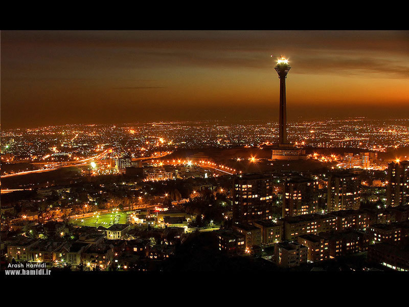 beautiful :) iransolo:  Great night time view of the Tehran skyline.